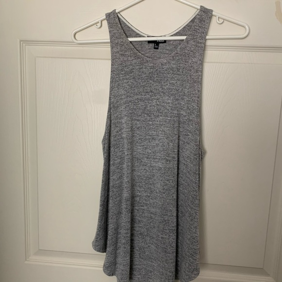 Wilfred free racer back grey tank